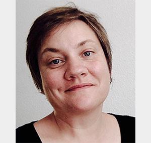 "<a href=""http://www.maestris-valence.com/joelle-debraux/"" target=""_blank""><center>Joëlle Debraux</center></a>"