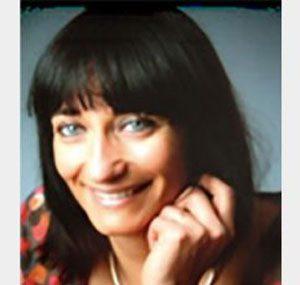 """<a href=""""http://www.maestris-valence.com/valerie-fournier/"""" target=""""_blank""""><center>Valérie Fournier</center></a>"""