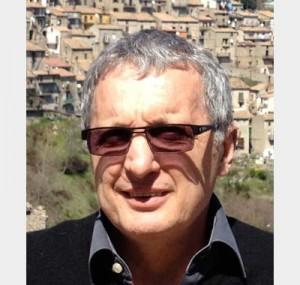 "<a href=""http://www.maestris-valence.com/alain-angotti/"" target=""_blank""><center>Alain Angotti</center></a>"