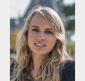 "<a href=""https://www.maestris-valence.com/sophie jozwik/"" target=""_blank""><center> Sophie Jozwik</center></a>"